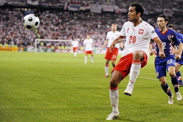 Roger Guerreiro (P) w barwach reprezentacji Polski /AFP