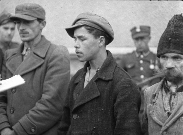 Rok 1946. Ludowe Wojsko Polskie zatrzymuje bandy UPA / CAF    /PAP