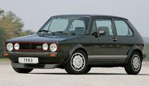 Rok 1983 - Golf GTI Pirelli. Limitowana do 40 tys. sztuk edycja z podwójnymi lampami i specjalnymi alufelgami. Pod maską – 1,8-litrowy silnik o mocy 112 KM. /Volkswagen