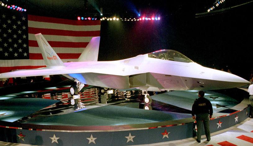 Rok 1997 - oficjalna prezentacja projektu o F-22 /AFP