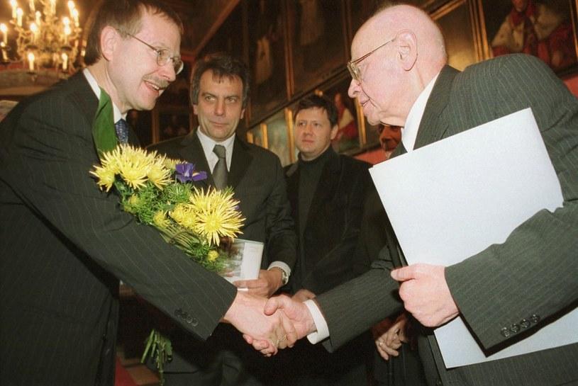 Rok 2003, Stanisław Lem otrzymuje honorowy tytuł niemieckiego Uniwersytetu w Bielefeld /AFP