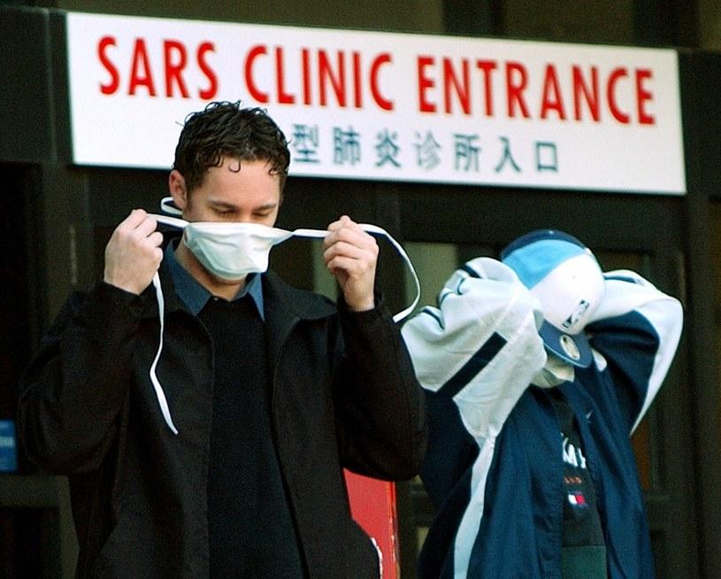 Rok 2003, Toronto. SARS zabił 43 osoby w Kanadzie /AFP