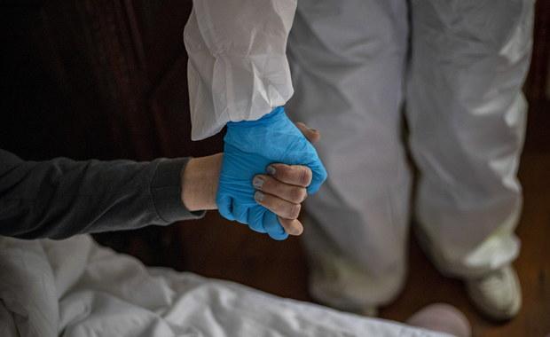 Rok pandemii. Sukces wiosną, porażka jesienią