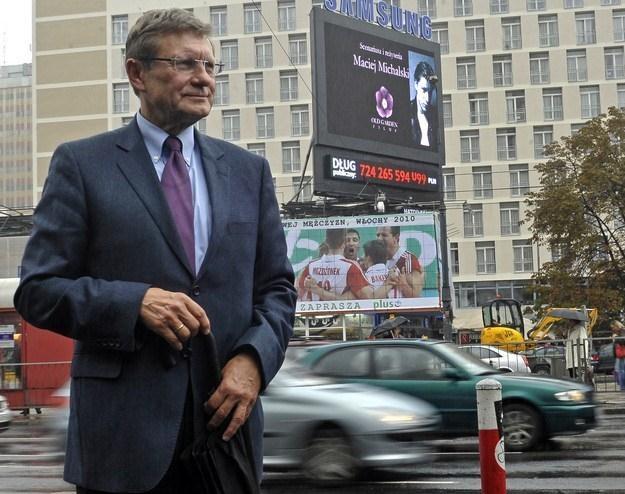 Rok temu, 28 września 2010 r. Leszek Balcerowicz uruchomił licznik długu publicznego /AFP