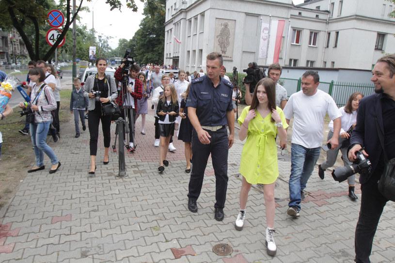 """Roksana Węgiel biorąca udział w akacji """"Bezpieczna droga"""" /Polska Press /East News"""