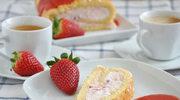 Rolada z mascarpone i truskawkami