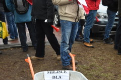 Rolnicy idą przed Sejm