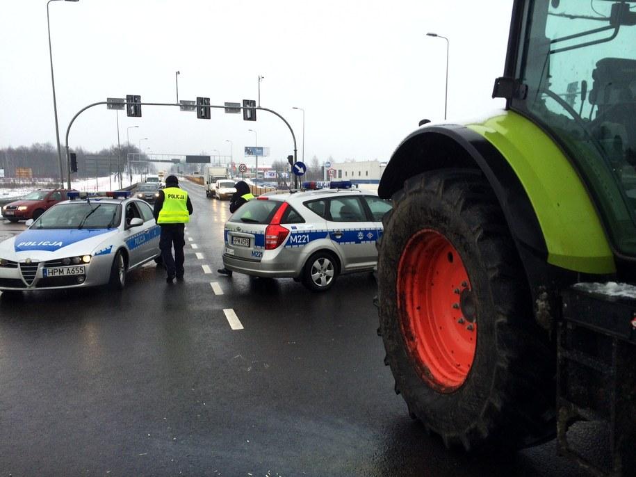 Rolnicza blokada od strony Białegostoku /Piotr Bułakowski /RMF FM