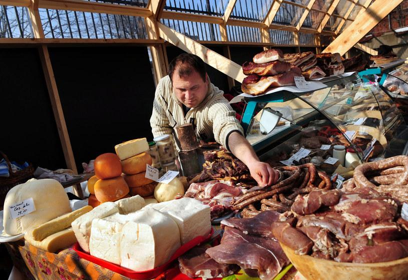 Rolniczy handel detaliczny jest specyficzną formą handlu detalicznego /AFP