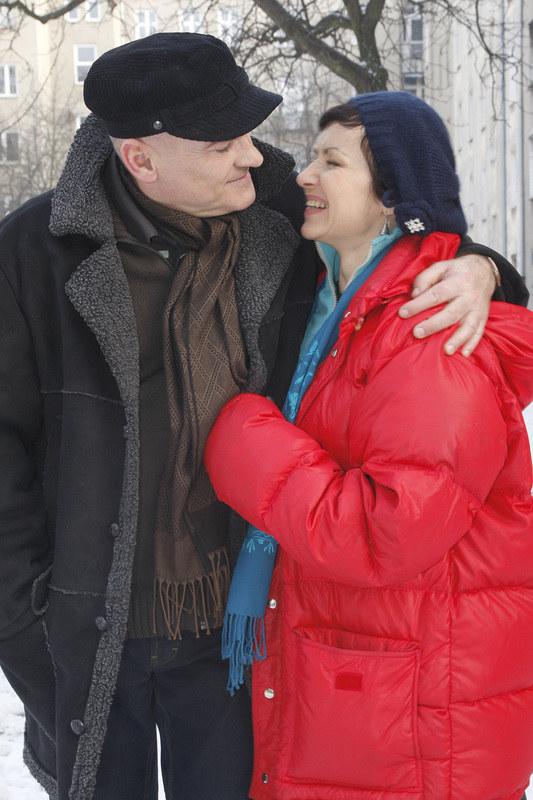 Roman (Waldemar Obłoza) przez trzy lata ich związku, nieraz przyprawiał Honoratę o płacz. /Kurkowska /AKPA