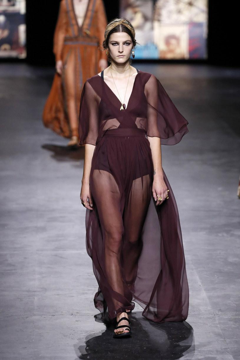 Romantyczna kreacja od Diora /East News/ Zeppelin