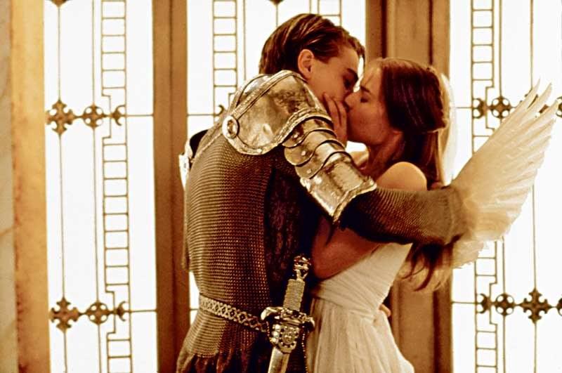 """""""Romeo i Julia"""": Świat pokochał 17-letnią Claire za rolę naiwnej Julii. Aktorka przez lata starała się uciekać przed graniem podobnych bohaterek. /materiały prasowe"""