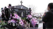 Romowie wspominają zmarłych kolorowo i ze szklaneczką czegoś mocniejszego
