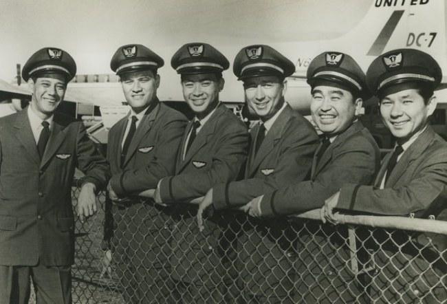 Ron Akana (pierwszy z lewej) w latach 50-tych /materiały prasowe
