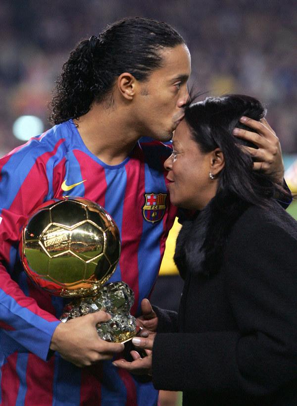 Ronaldinho i Dona Miguelina /AFP