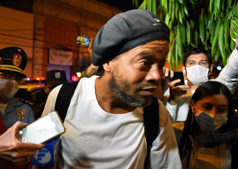 Ronaldinho jest zakażony koronawirusem /AFP