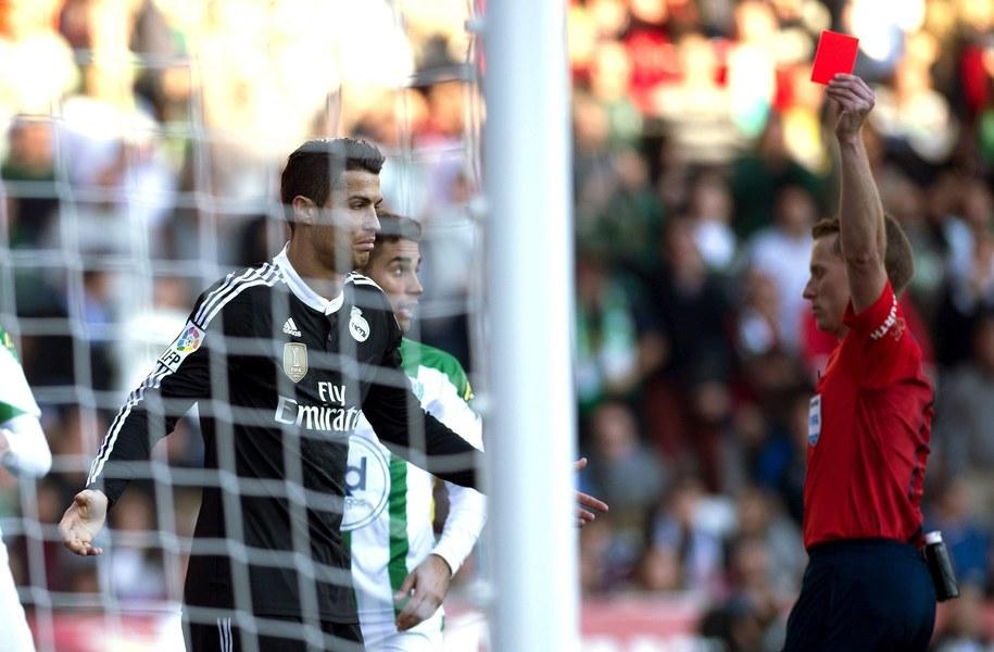 Ronaldo będzie mógł jednak wystąpić w derbowym spotkaniu z Atletico Madryt / RAFA ALCAIDE    /PAP/EPA