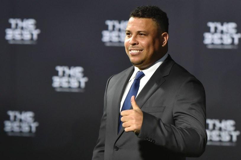 Ronaldo błyskawicznie trafił na szczyt. Do Barcelony trafił jako najdroższy piłkarz na świecie, a rok później opuścił ją w takim samym charakterze /AFP