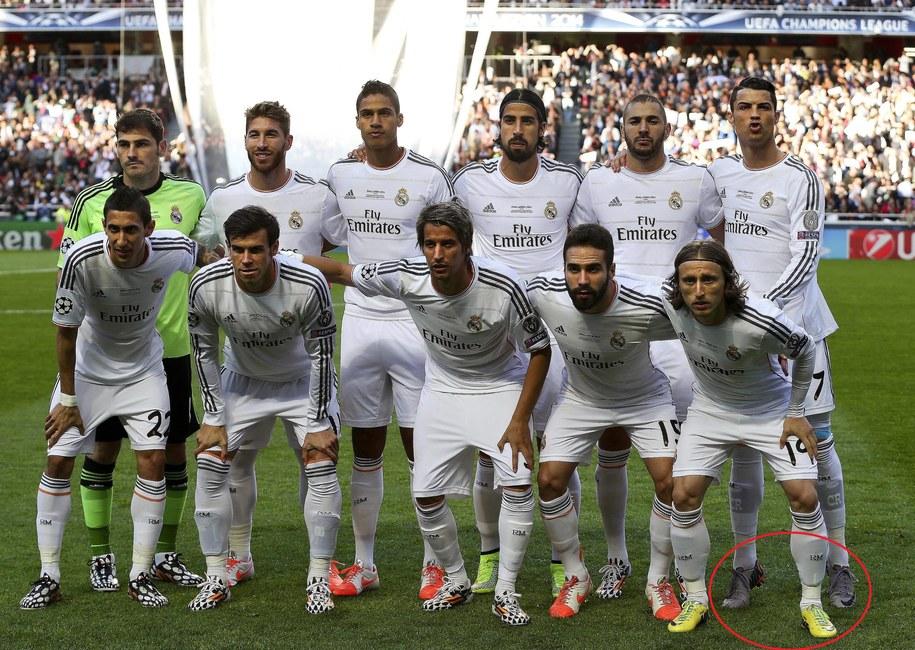 Ronaldo razem z drużyną /JOSE SENA GOULAO /PAP/EPA