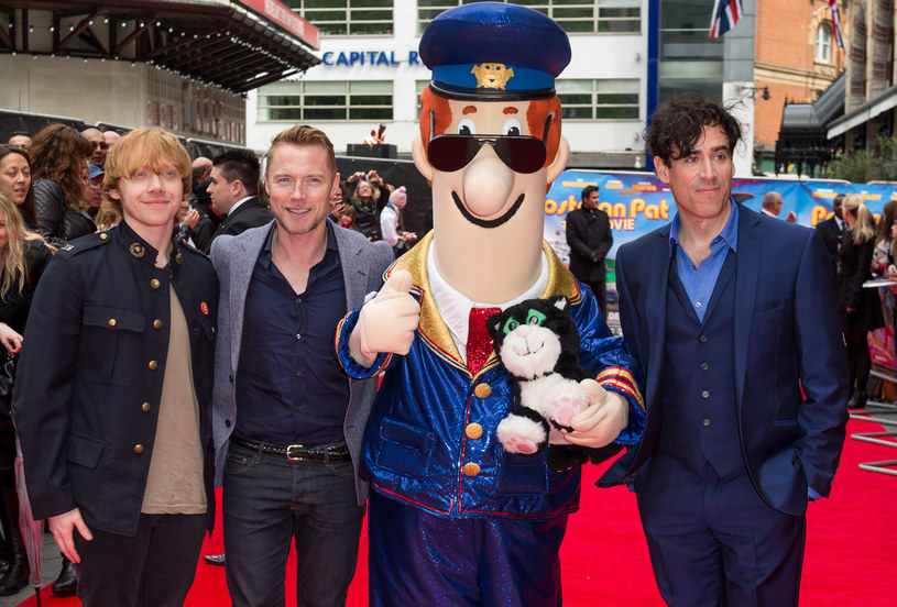 "Ronan Keating (drugi z lewej) z obsadą filmu ""Listonosz Pat"" w 2014 r. /fot. Ian Gavan /Getty Images"