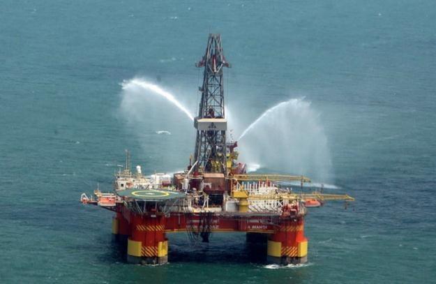 Ropa niekonwencjonalna jest dużo trudniejsza w ekstrakcji /AFP