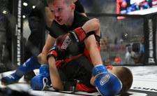 Rosja: Dzieci walczą w turnieju MMA