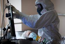 Rosja: Liczba zakażonych SARS-CoV-2 przekroczyła 900 tys.