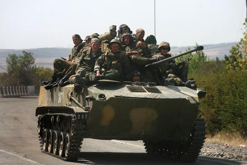 Rosja nadal stara się utrzymać swoje wpływy w krajach byłego ZSRR. Tutaj wojska lądowe w Gruzji /Getty Images/Flash Press Media