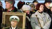"""Rosja: Pogrzeb marynarzy """"Kurska"""""""
