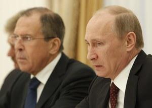 """Rosja """"skrajnie zaniepokojona"""", krytykuje Zachód"""