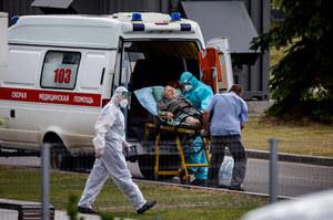 Rosja: W ciągu dnia zmarło 820 osób na Covid-19. Jest to największa liczba od początku epidemii
