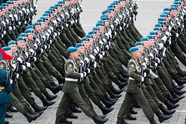 Rosja w coraz większych tarapatach. Tnie wydatki na armię /©123RF/PICSEL