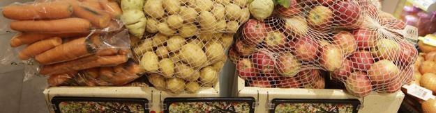 Rosja zagroziła Polsce embargiem na import owoców i warzyw /AFP