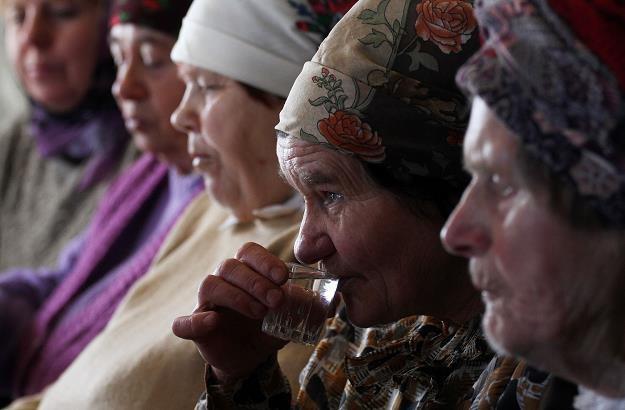 Rosjan nie stać na alkohol sprzedawany w sklepach /AFP