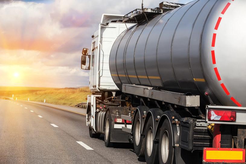 Rosjanie chcą ograniczyć eksport benzyny /123RF/PICSEL