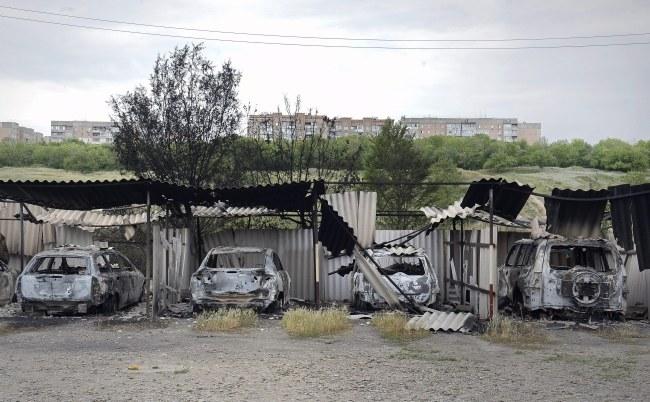Rosjanie twierdzą, że w ciągu ostatniej doby granicę z obwodem rostowskim przekroczyło 7 tys. uchodźców ze wschodniej Ukrainy /VALENTINA SVISTUNOVA /PAP/EPA