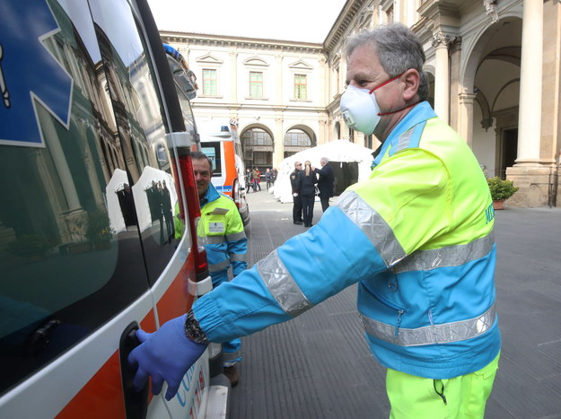 Rosnącą liczbę zakażeń obserwujemy o ostatnich dniach na terenie północnych Włoch - w regionach: Lombardia, Wenecja Euganejska, Piemont, Emilia Romania, Lacjum