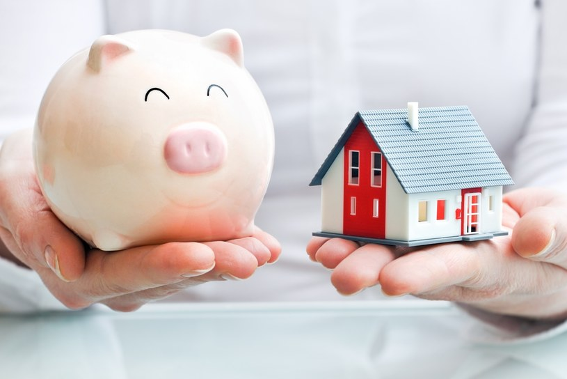 Rosnące wynagrodzenia i tanie kredyty powodują, że dziś z pomocą hipoteki można kupić największe mieszkanie w historii /123RF/PICSEL