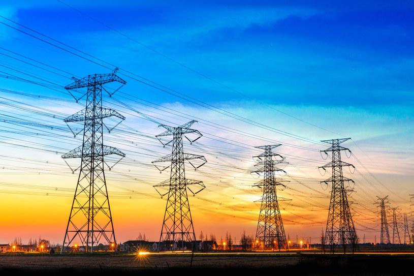 Rośnie apetyt na energię elektryczną /123RF/PICSEL