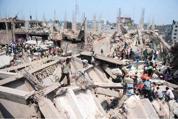 Rośnie bilans ofiar katastrofy /AFP