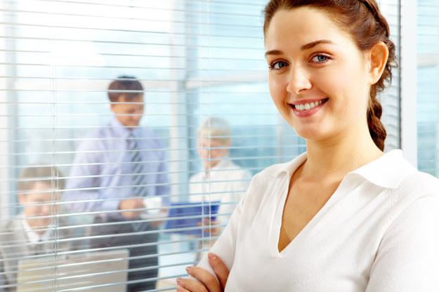 Rośnie chęć pracodawców do zwiększania wynagrodzeń /© Glowimages