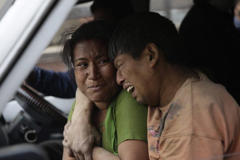 Rośnie liczba zabitych w trzęsieniu ziemi /PAP/EPA