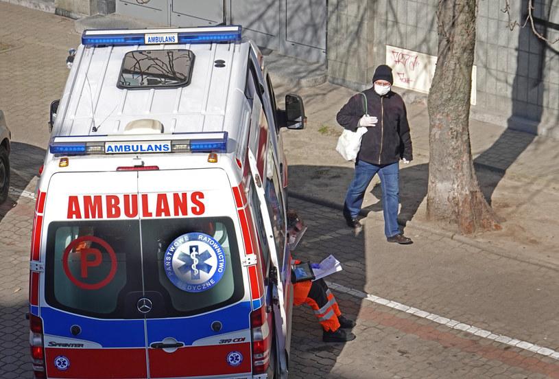 Rośnie liczba zakażonych koronawirusem w kraju /Wojtek Laski/East News /East News