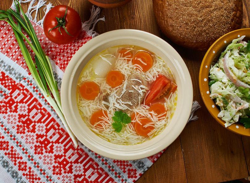Rosół to najpopularniejsza przyprawa zaliczana do comfort food /123RF/PICSEL