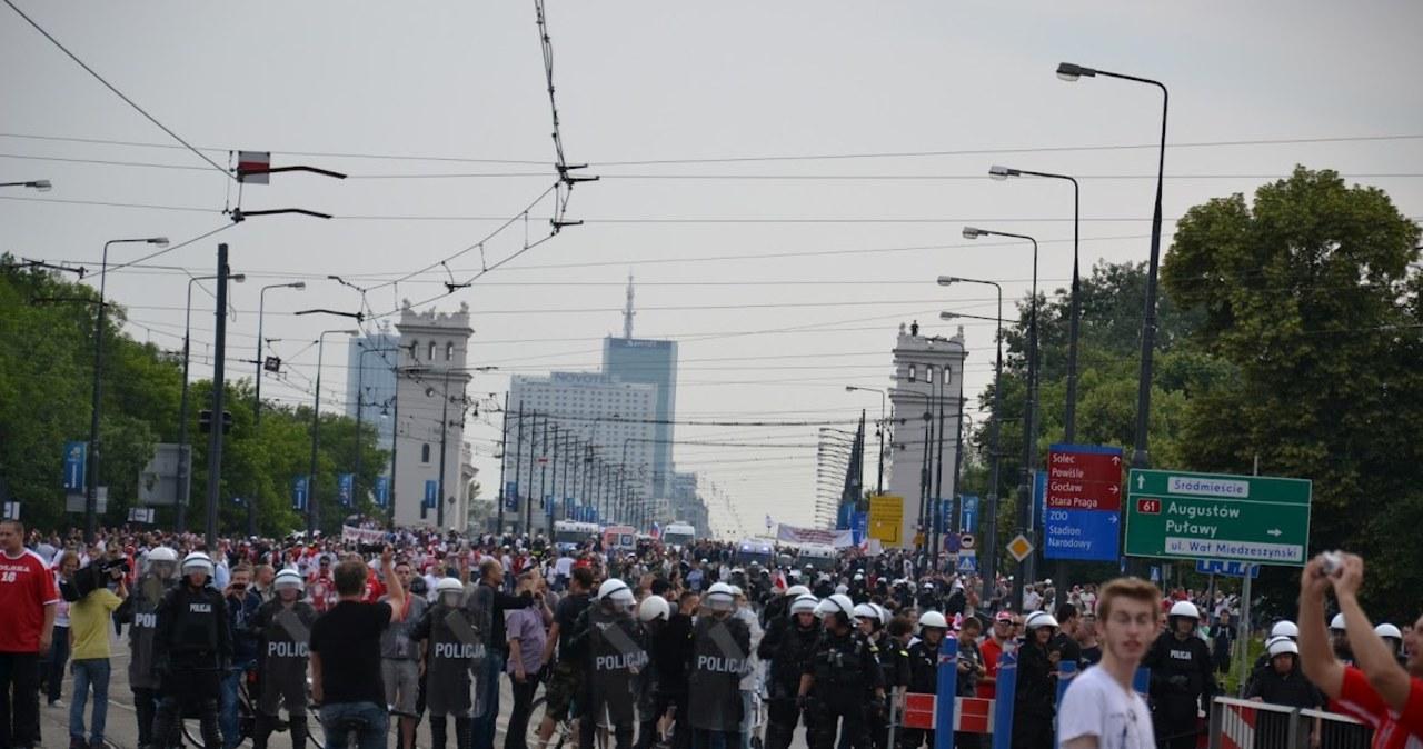 Rosyjscy kibice na ulicach Warszawy
