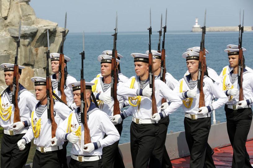Rosyjscy marynarze podczas parady w Sewastopolu na Krymie /AFP