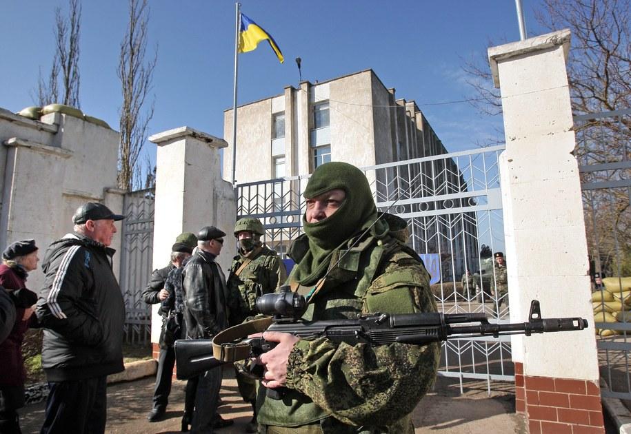 Rosyjscy żołnierze na Krymie /ARTUR SHVARTS /PAP/EPA