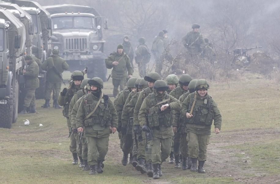 Rosyjscy żołnierze na Krymie /MAXIM SHIPENKOV    /PAP/EPA