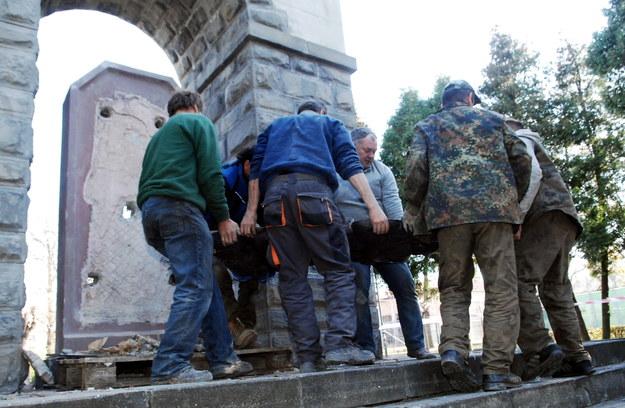 Rosyjska gazeta o nowosądeckim pomniku Armii Czerwonej