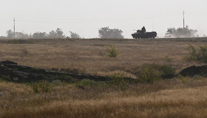 Rosyjska kolumna wojskowa wjechała na Ukrainę w okolicach kontrolowanego przez separatystów granicznego punktu Izwarine /AFP